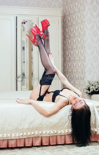 Long legged fetish escort